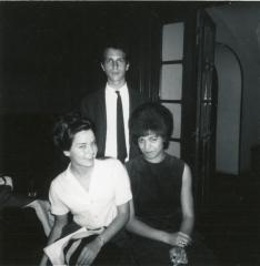 Angela Davis lors du Hamilton Study Abroad Program, avec Howard Bloch et Dianna Summer, automne 1963. Avec l'aimable autorisation de Jane Jordan.