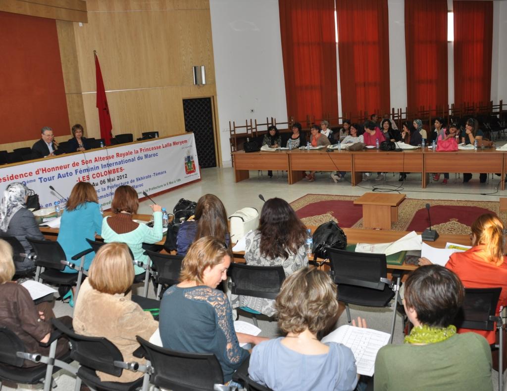 Les participantes au briefing la veille du départ