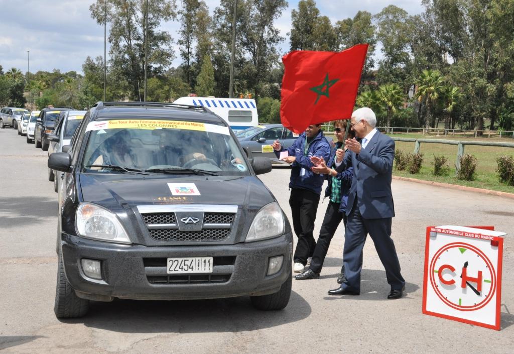 Mr le Walli de la région de Settat donnant le départ de la 2ème étape reliant Settat à Marrakech